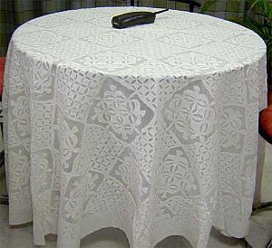 Product:: Applique Work Table Cover
